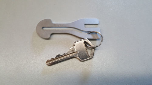 Removeable Shopping Trolley Key for $1 COIN SLOT ALDI WOOLWORTHS COLES ETC 4pcs image